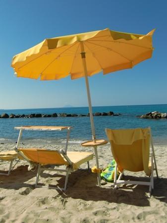 Villaggio Club Baia del Sole: Strandansicht