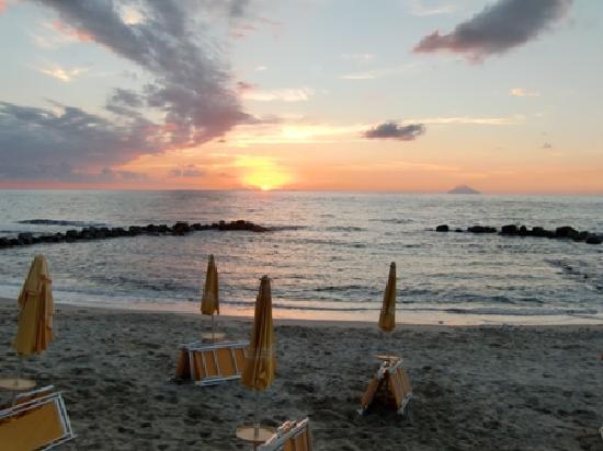 Villaggio Club Baia del Sole: Blick auf den Stromboli
