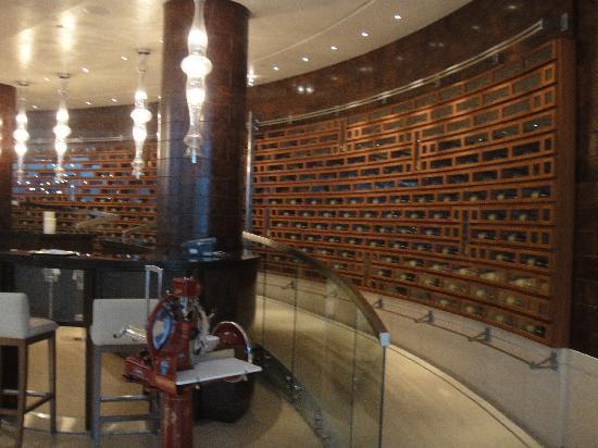 Park Hyatt Istanbul - Macka Palas: Wine Bar