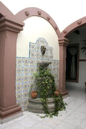 Hotel Oriente: FUENTE