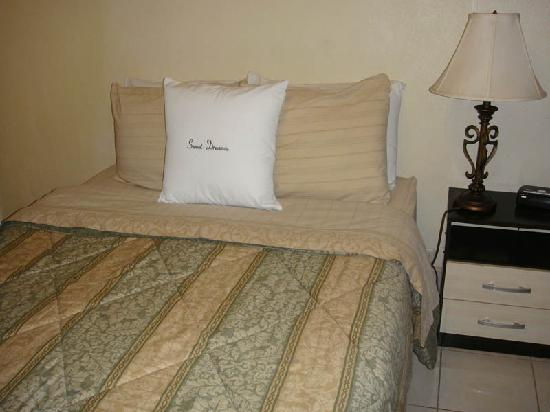 Hotel Dulce Hogar: room in Dulce Hogar
