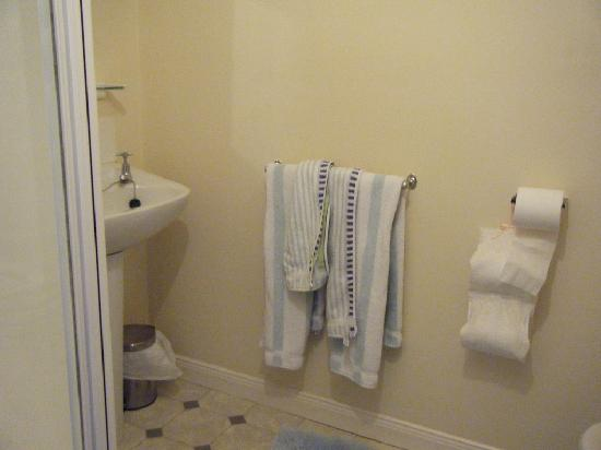 The Cottage - Portadown: Toilet/ensuite