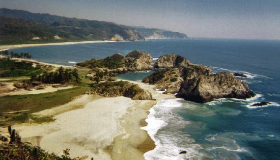 Nexpa Beach: Maruata at Km. 150