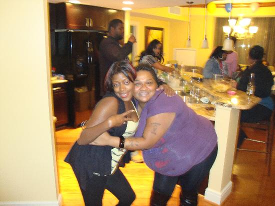 Wyndham Vacation Resorts At National Harbor: b-day w/ bff