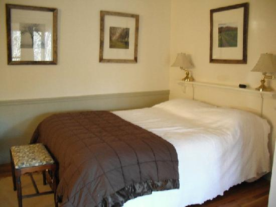 Creekside Resort and Spa: Our cozy bed