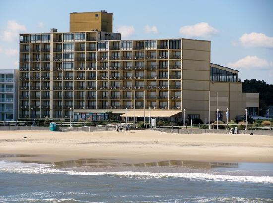 Four Points By Sheraton Virginia Beach Oceanfront The Surfside Inn From Fishing Pier