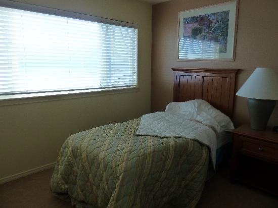 WorldMark Discovery Bay: upstairs bedroom