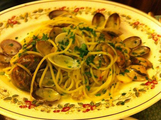Hostaria Da Pietro: Spaghetti al vongole