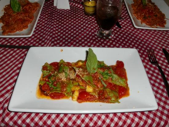 Pomodoro e Basilico: My Green Spinach Ravioli with Fresh Tomatoe Sauce