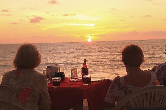 The Beach Khaolak: Beautiful sunset