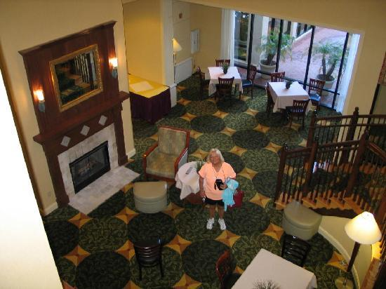 Hilton Garden Inn Jacksonville / Ponte Vedra: Lobby from top of stairs