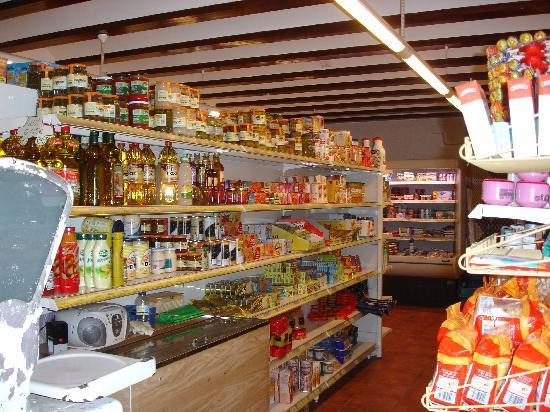 Camping Malvarrosa de Corinto: El supermercado