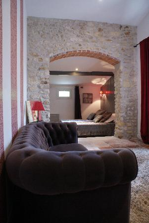 Domaine quittignan brillette: suite anicet