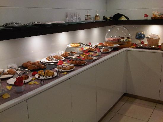 Hotel Belvedere: breakfast!