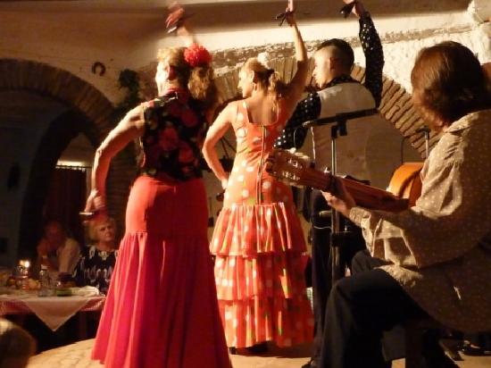 El Colono : Spectacle de Flamenco. Las Malagueñas