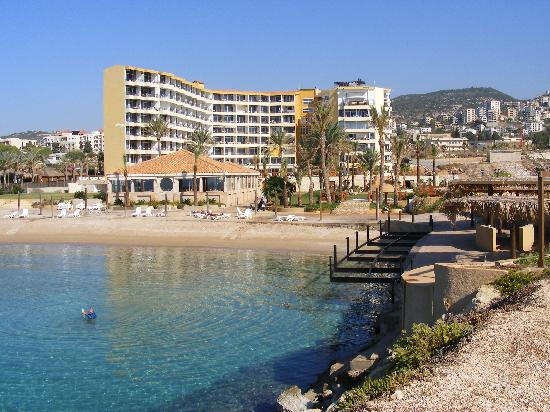 Batroun, Líbano: Sawary Beach Resort & Hotel from the sea