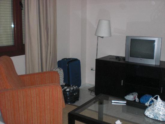 Habitacion2 fotograf a de apartamentos luxsevilla palacio sevilla tripadvisor - Apartamentos lux sevilla este ...