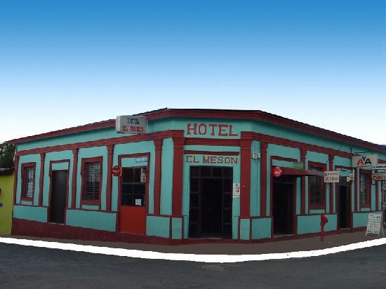 Hostal El Meson: Frente del Hotel El Meson