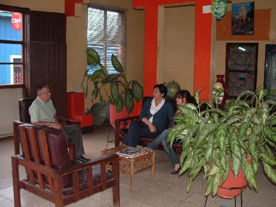 Hostal El Meson: Loby