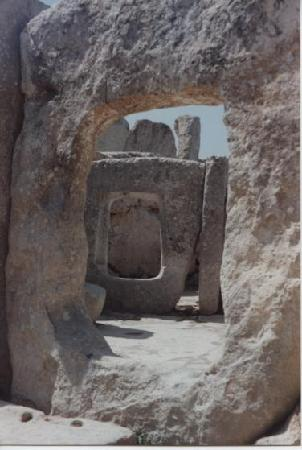 Hagar Qim Temples: Portes et absides (1992)