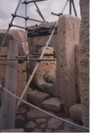 Hagar Qim Temples: Porte abîmée (2000)
