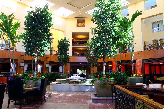 Renaissance Charlotte Southpark Hotel Indoor Courtyard Atrium