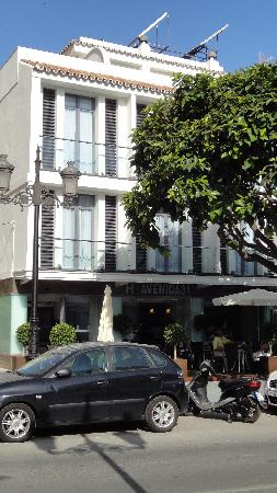 Hotel Avenida 31: Entrada del hotel