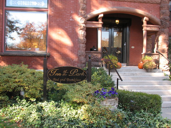 Inn at the Park Bed & Breakfast: Front entrance