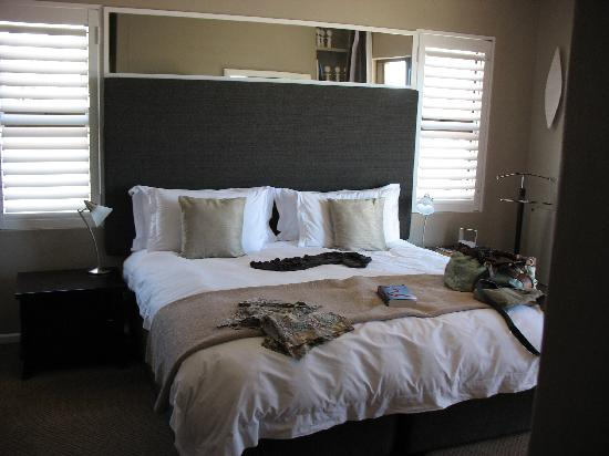 Cliff Lodge: our wonderful roomy modern yet comfy room!
