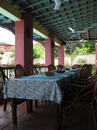 The Harbor Lights Palace: Restaurant