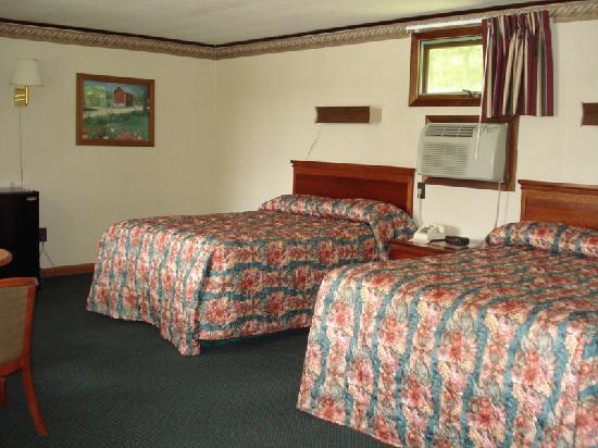 Milford Motel: One of Our Double Beds.