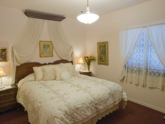 Bridal / romantic suite at the Historic Cary House Hotel