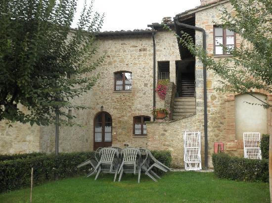 Borgo al Cerro: particolare del borgo