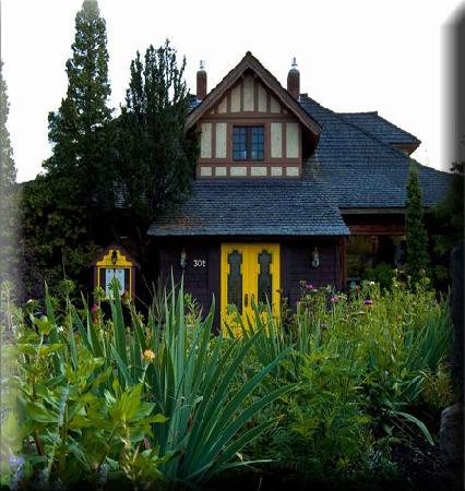 Bogners of Penticton: Front Vegetable Garden