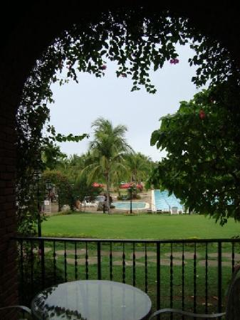 Laoag, Filipinas: This is what we see when we wake up.