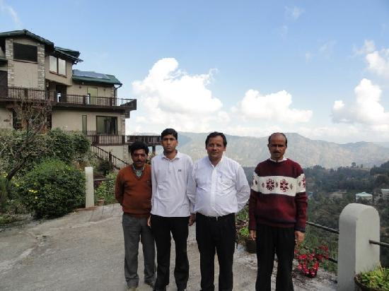 Soulitude in the Himalayas: the wonderful staff