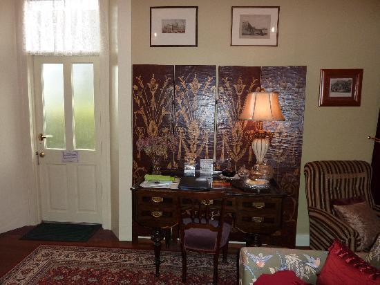 Blakes Manor Deloraine: A night cap