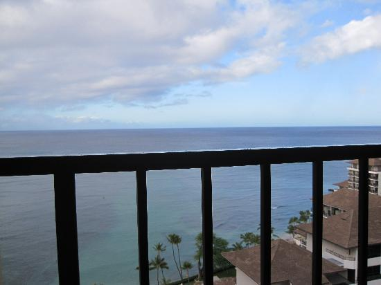 Waikiki Parc Hotel: 海が目の前