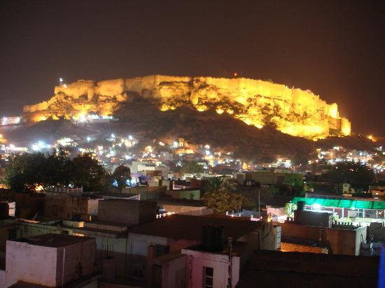 The Blue House Guest House Jodhpur: view from the terrace restaurant