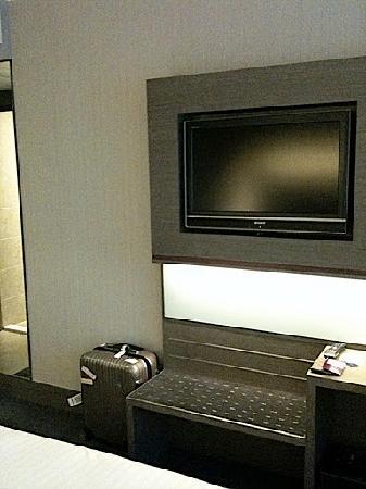 Novotel Hong Kong Nathan Road Kowloon : TV grand écran mais internet payant