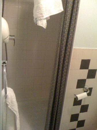 Hotel Eldorado: doccia camera n.15