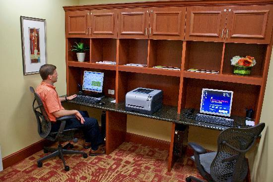 Hilton Garden Inn Bartlesville : Business Center with PrintOn Technology, Complimentary copies & faxes.