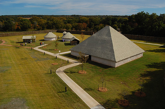 Chickasaw Cultural Center: Recreation of traditional Chickasaw structures