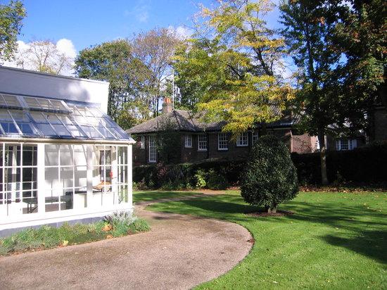 Keats House : the house