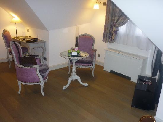 Hotel Cour du Corbeau Strasbourg - MGallery Collection : le salon de notre suite