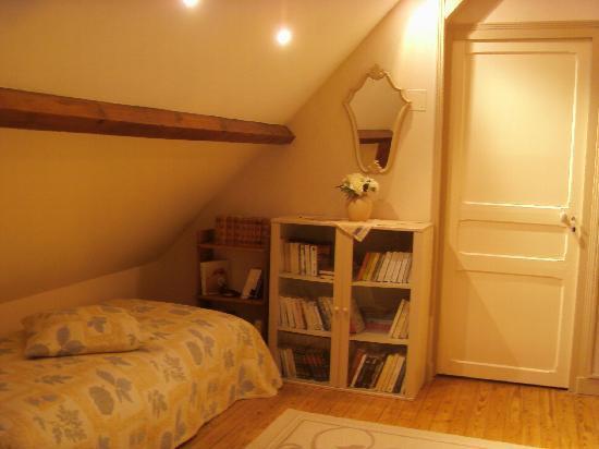Villa Saint Corentin : une partie du salon (lit suppl)