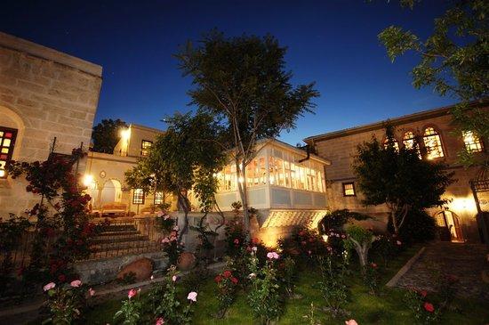 Gul Konaklari - Sinasos Rose Mansions