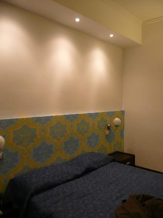 Comfort Suites Rome: room3