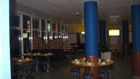 Ibis Budget Stuttgart City Nord : breakfast area