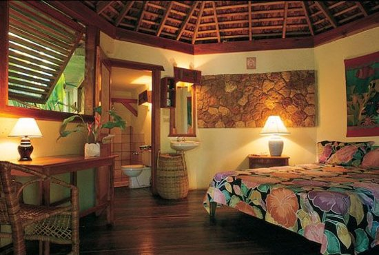 Whistling Bird Resort : One Room Private Cottage